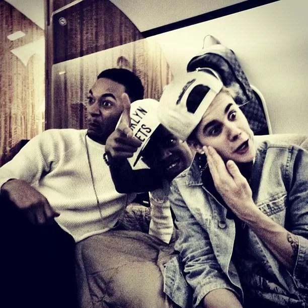 Justin Bieber posa fazendo careta (Foto: Instagram/Reprodução)