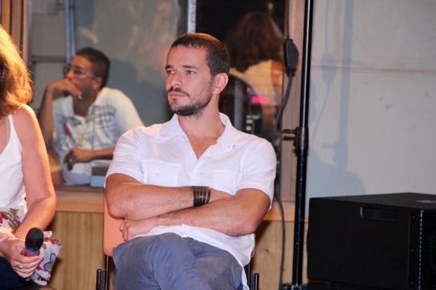 Daniel de Oliveira na coletiva do seriado Doce de Mãe (Foto: Alex Palarea/AgNews)