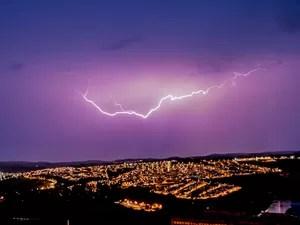Fotógrafo registrou temporal de raios que atingiu Varginha no dia 31 de janeiro (Foto: Rodrigo Naves / Arquivo pessoal)