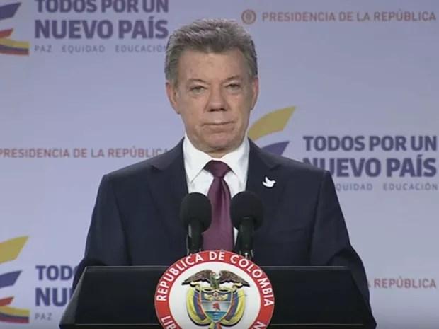 O presidente colombiano, Juan Manuel Santos, faz pronunciamento nesta segunda-feira (3) sobre diálogo com os opositores ao acordo de paz com as Farc (Foto: Reprodução/ YouTube/ Presidencia de la Republica - Colombia)