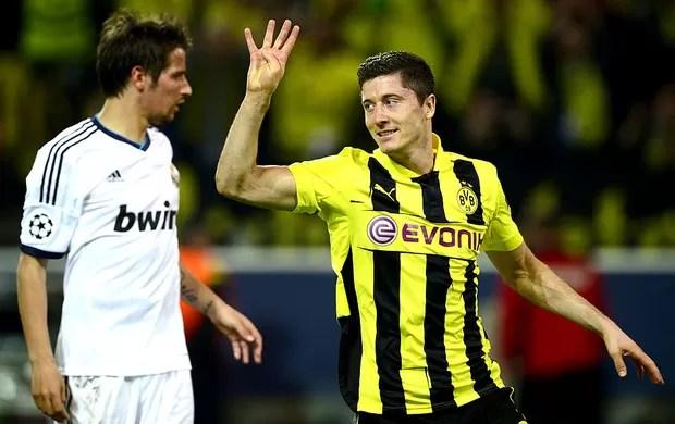 Robert Lewandowski gol Borussia Dortmund jogo Real Madrid (Foto: AFP)