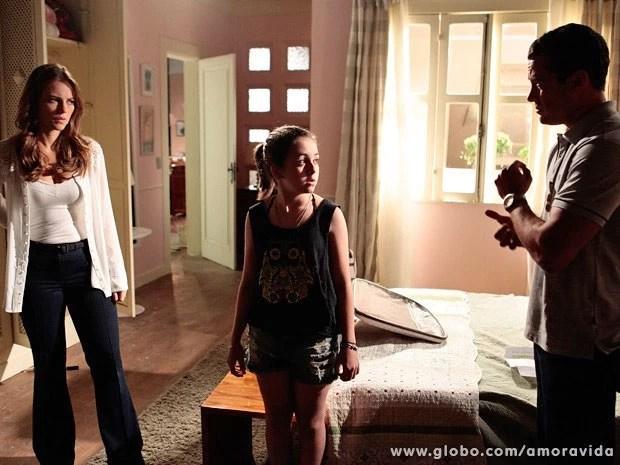 Paulinha fica sem saber o que dizer ao ser perguntada com quer ficar (Foto: Pedro Curi/TV Globo)
