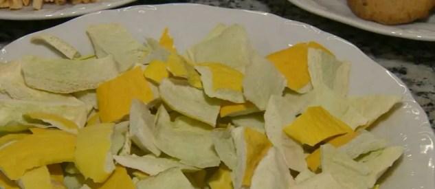 Pesquisa da Esalq-USP que reaproveita partes descartadas de frutas utilizou cascas de melão — Foto: Oscar Herculano/EPTV
