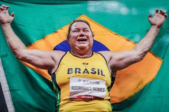 Beth Gomes é ouro no lançamento de disco nas Paralimpíadas — Foto: Wander Roberto /CPB @wander_imagem