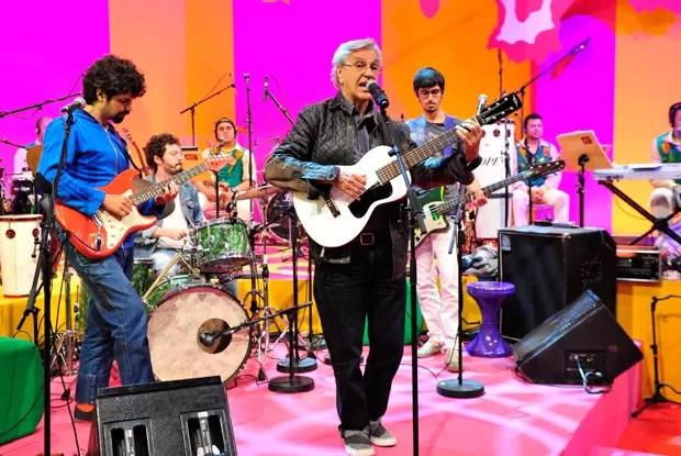 Caetano Veloso agita o Esquenta (Foto: Divulgação / TV Globo)