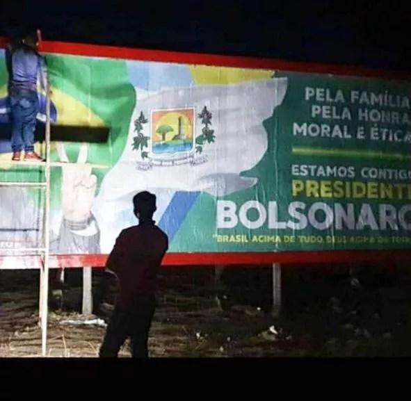 Outdoor em apoio a Bolsonaro em Pau dos Ferros (RN)