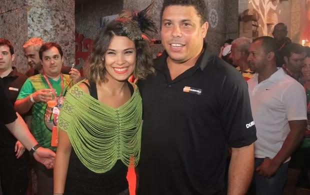 Ronaldo e Bia Anthony no Expresso 2222 (Foto: Rodrigo dos Anjos/AgNews)
