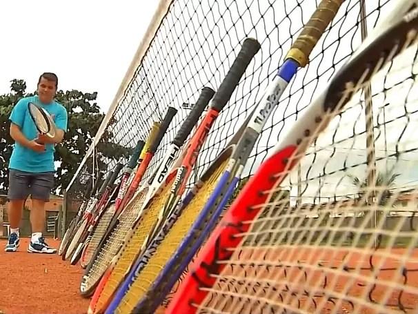 Nós.doc: professor de Educação Física dá aulas de tênis a alunos da Apae de Primavera do Leste, Mato Grosso (Foto: Globo)