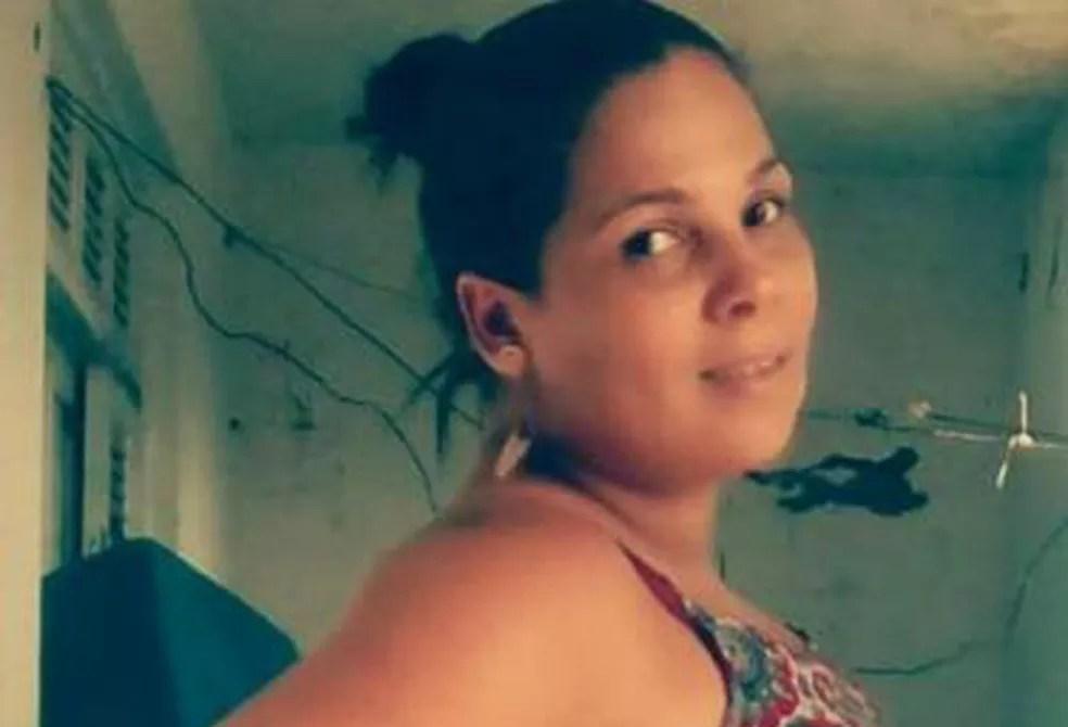 Mulher foi morta a tiros em Coaraci, na noite de segunda-feira — Foto: Reprodução/Redes sociais