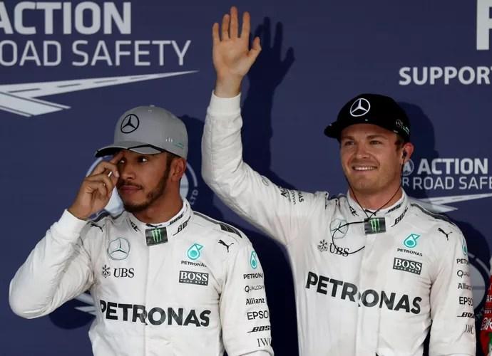 Lewis Hamilton e Nico Rosberg após o treino classificatório para o GP do Japão (Foto: Getty Images)