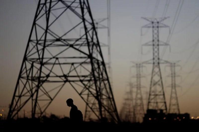 Energia elétrica linhas de transmissão — Foto: Ueslei Marcelino/Reuters