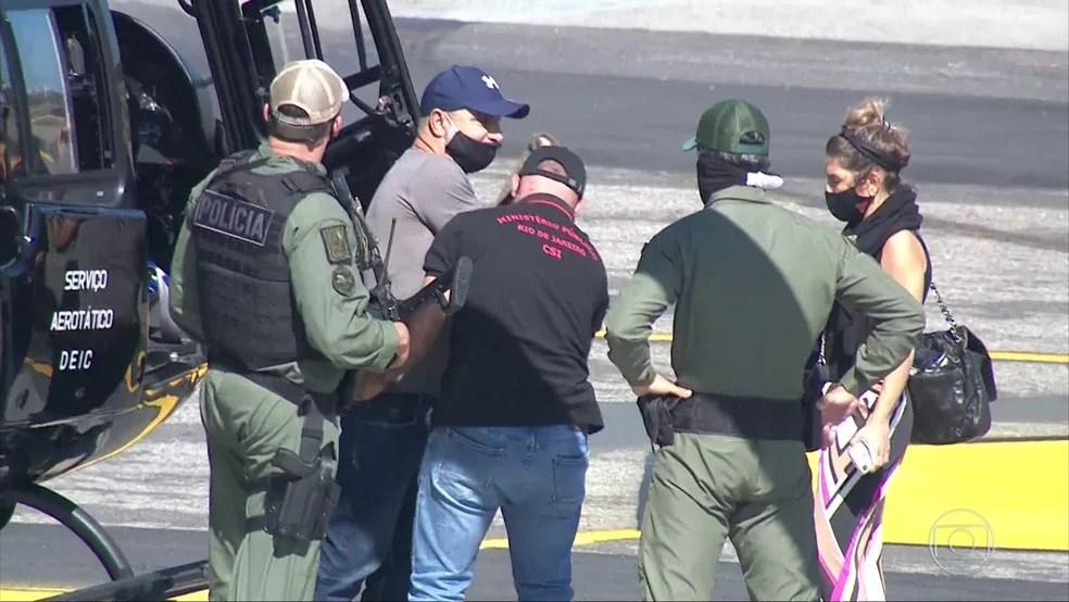 Queiroz ao ser preso, dia 18 de junho — Foto: BDBR