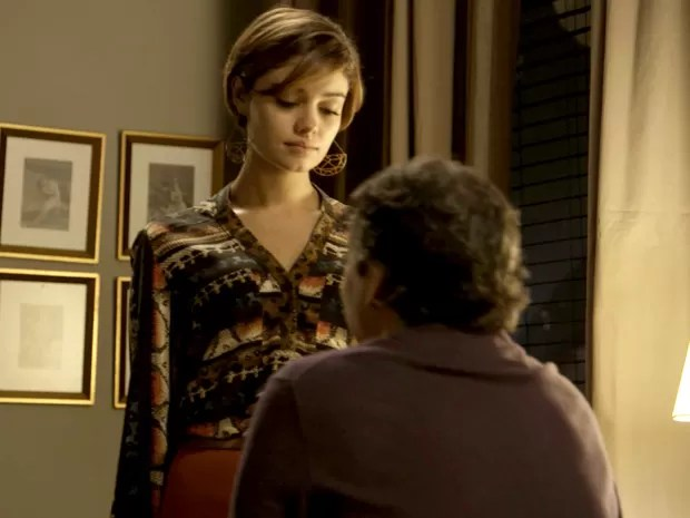 Evandro e Alice estão cada vez mais apaixonados (Foto: TV Globo)