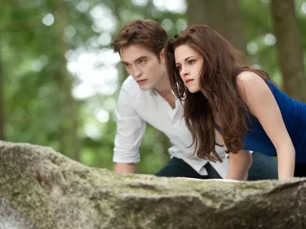 'Amanhecer – Parte 2' – o casal Bella (Kristen Stewart) e Edward (Robert Pattinson) pode, enfim, viver feliz para sempre, dado que ela acaba sendo transformada em vampiros (Foto: Divulgação)