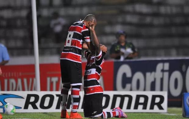 Santa Cruz x Bragantino (Foto: Aldo Carneiro/Pernambuco Press)
