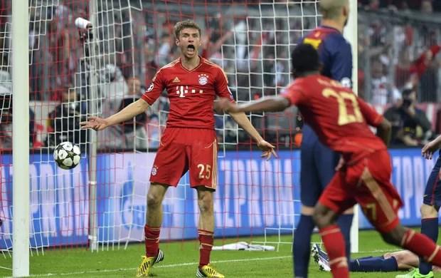 Mueller, Bayern de Munique x Barcelona (Foto: EFE)