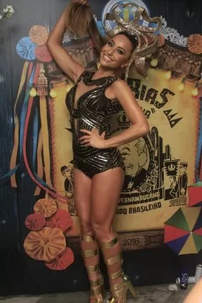 Sabrina Sato em noite de samba no Rio (Foto: Robson Moreira/Fotorio News)