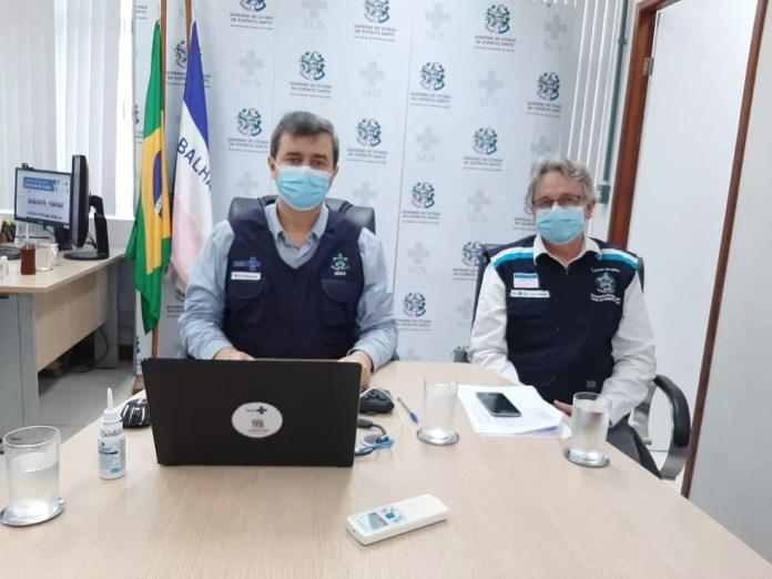 Nésio Fernandes e Luiz Carlos Reblin durante coletiva de imprensa no ES — Foto: Divulgação/ Sesa ES