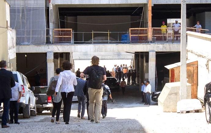 chegada do comitê da Fifa a Arena da Baixada (Foto: Paulo Lisboa / Agência Estado)