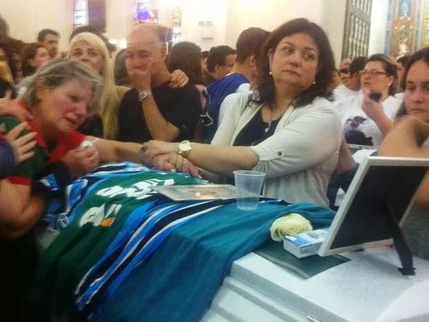 Corpo de Giovane Klein, repórter da RBS TV, é velado na Catedral de Florianópolis (Foto: Melina Castro/RBS TV)