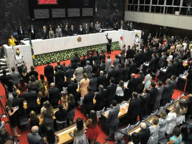 Deputados estaduais tomam posse na Assambleia Legislativa de Minas Gerais (Foto: Raíla Melo/ ALMG)
