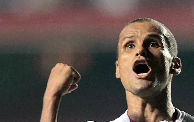 Rivaldo comemora gol (Foto: Ag. Estado)