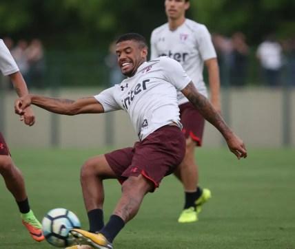 Júnior Tavares terminou ano como reserva do São Paulo (Foto: Rubens Chiri/saopaulofc.net)