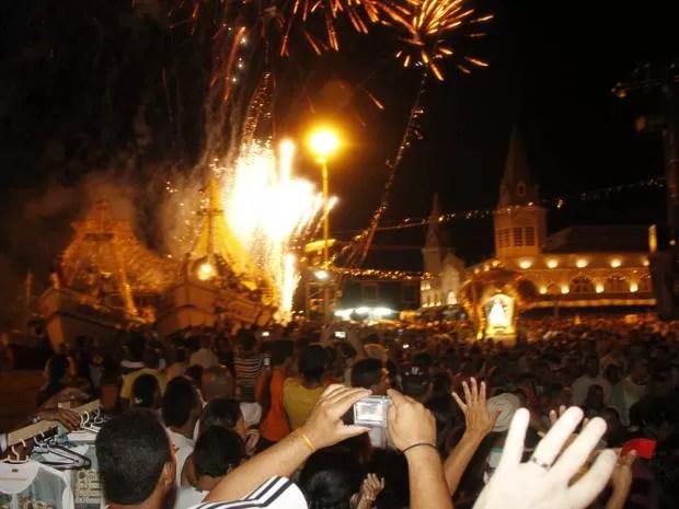Trasladação ilumina a capital paraense. (Foto: Elivaldo Pamplona/ O Liberal)
