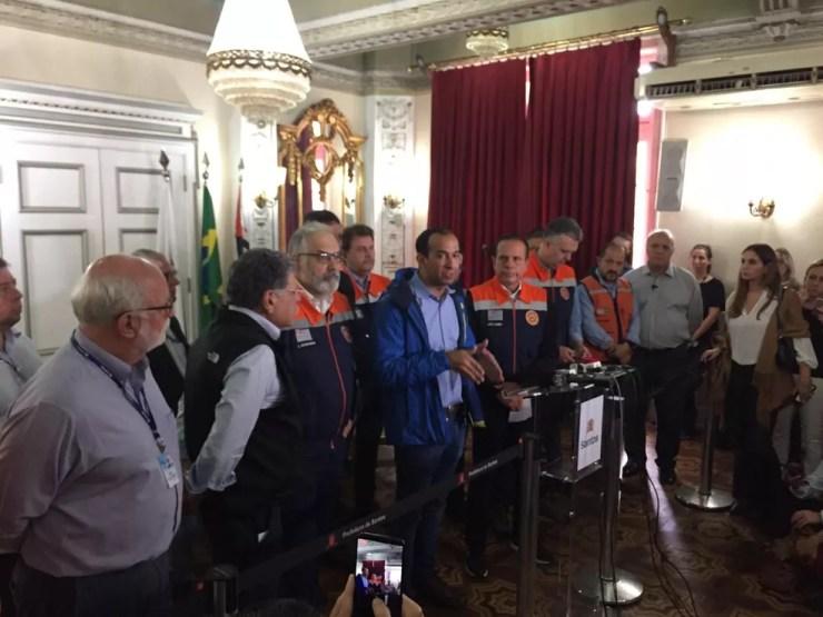João Doria, governador de São Paulo, durante uma coletiva de imprensa em Santos — Foto: Matheus Tage/A Tribuna