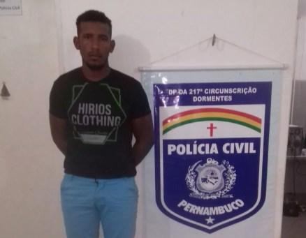 Suspeito de homicídio é preso em Dormentes. (Foto: Polícia Civil)