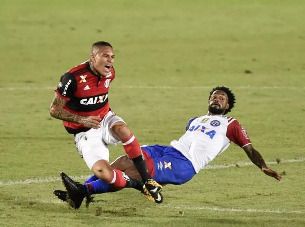 Último jogo de Guerrero pelo Flamengo foi em 20 de outubro (Foto: André Durão)