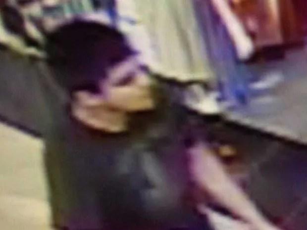 Departamento de Gestão de Emergência mostra imagem de suspeito que atirou dentro de shopping em Burlington (Foto: Skagit County Department of Emergency Management / via AP Photo)