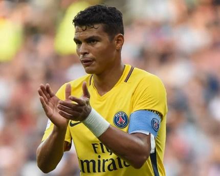 Thiago Silva é o capitão do time francês (Foto: AFP)