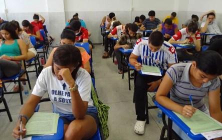 PE no Campus prevê apoio financeirto para estudantes que vão cursar o ensino superior — Foto: Katherine Coutinho/G1