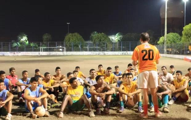 Fluminense-PI - Treino - Campo do Matadouro (Foto: Náyra Macêdo/GLOBOESPORTE.COM)