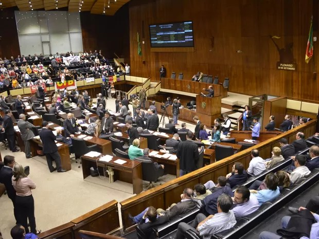 Projeto das RPVs foi aprovado nesta terça na Assembleia (Foto:  Mariana Carlesso/Agência ALRS)
