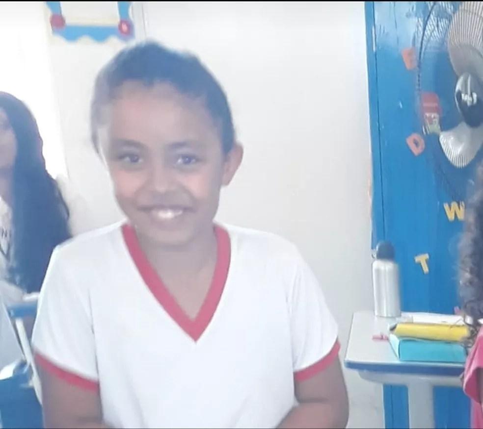 Débora, de 8 anos, morreu durante o acidente em Serra Talhada — Foto: Reprodução/WhatsApp/TV Asa Branca