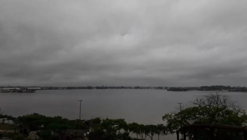 As temperaturas durante o fim de semana prolongado em Cabo Frio, RJ, devem ficar entre os 19ºC de mínima e 23ºC de máxima  — Foto: Felipe Basilio/Inter TV