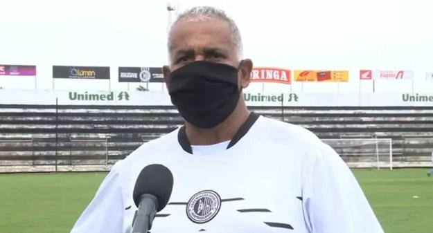 Ademir Fonseca começa a definir time do ASA para enfrentar o CSA — Foto: Reprodução/TV Gazeta