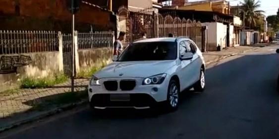Carro importado de luxo apreendido na ação em Barra Mansa — Foto: Divulgação/Polícia Civil