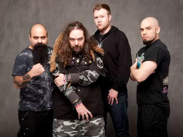A banda Soulfly em foto de divulgação do álbum 'Enslaved' (Foto: Divulgação)