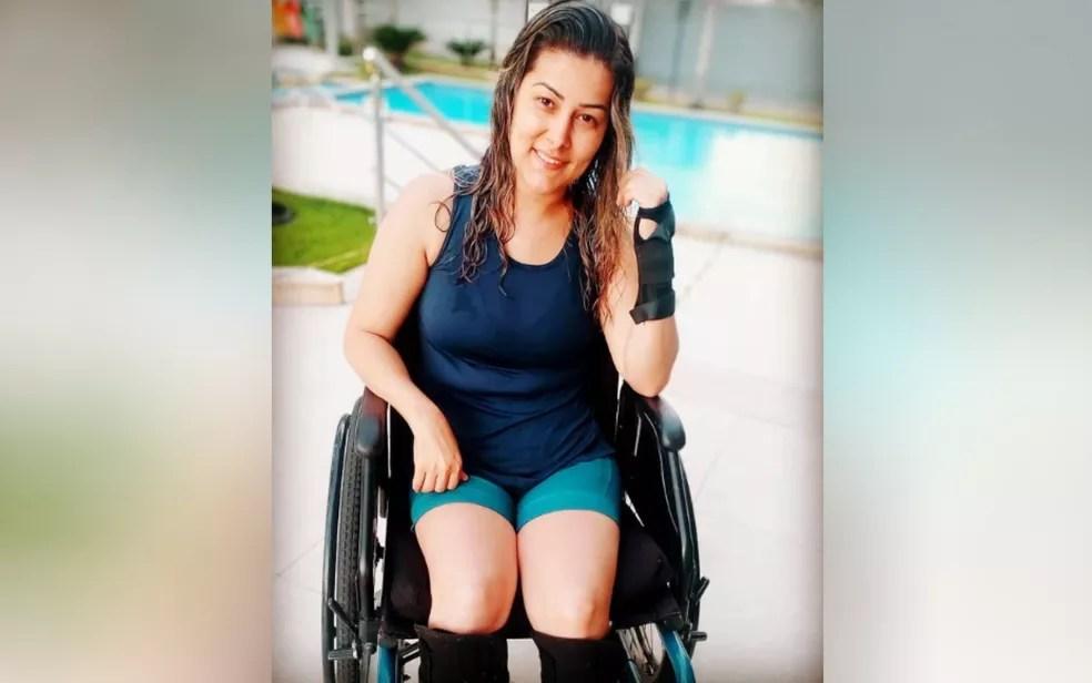 A cabeleireira Juliane Lacerda pulou de 1º andar de prédio para fugir de estupro e sofreu lesão na coluna — Foto: Reprodução/Instagram