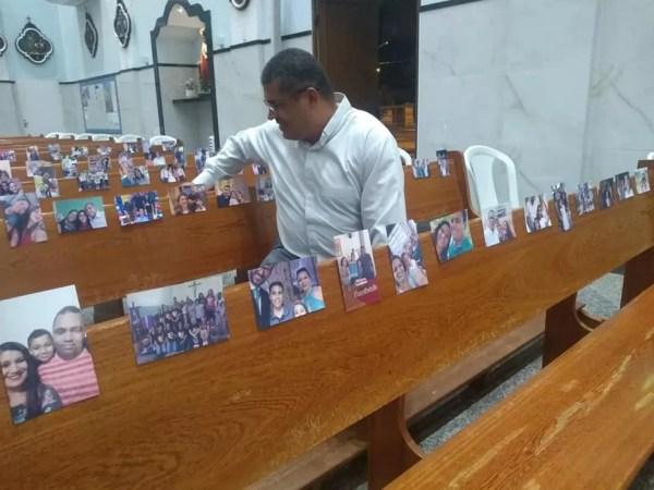 Ideia das fotos emocionou padres e aproximou frequentadores da igreja de Quintana — Foto: Arquivo pessoal/Allyson Saulo Cabrini