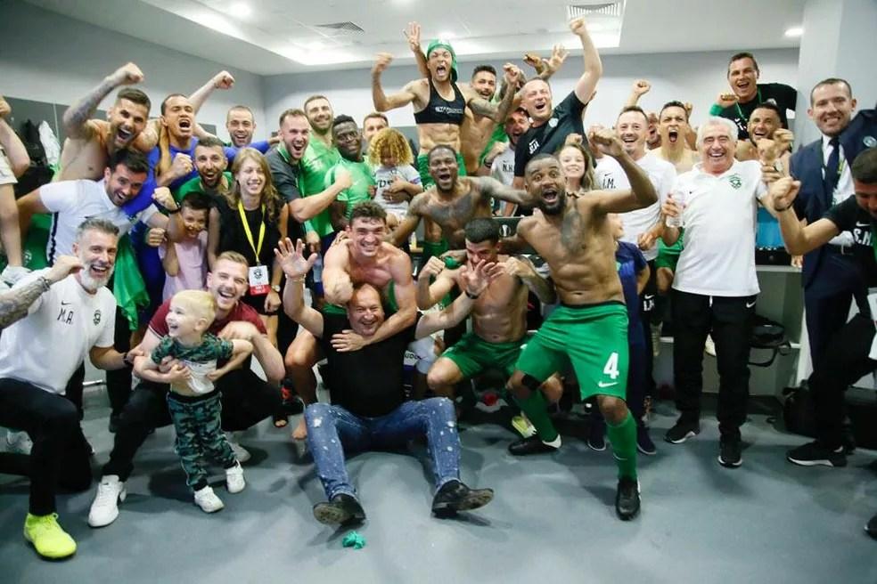 Ludogorets celebra a conquista de sua nona taça seguida na Bulgária — Foto: Divulgação/Ludogorets