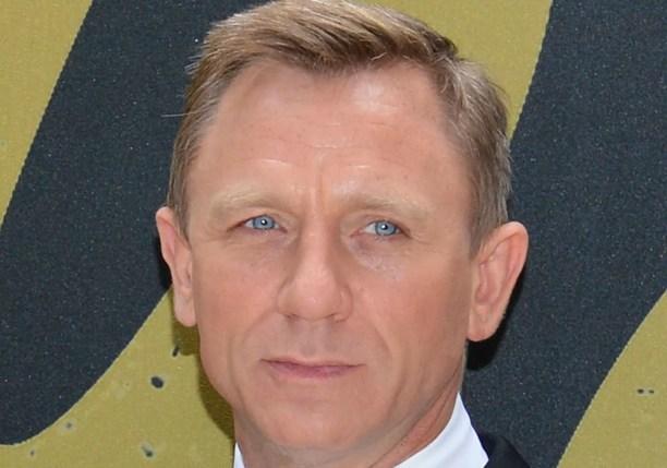 No início da carreira de ator, Daniel Craig chegou a dormir em banquinho de parque. (Foto: Getty Images)