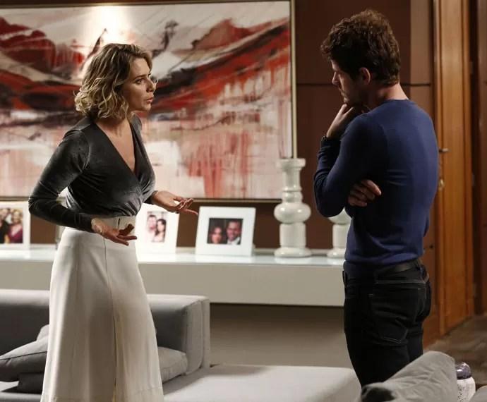 Soraya questiona Benjamin se Margot, sua ex-noiva, está grávida (Foto: Raphael Dias/Gshow)