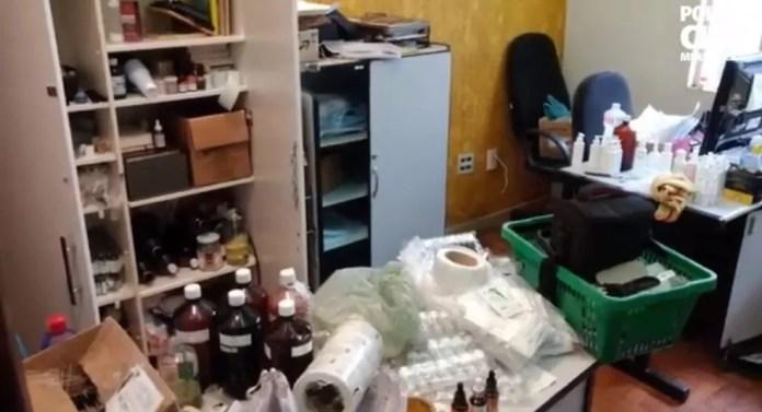 Blogueira é presa na Grande BH por suspeita de vender cosméticos falsificados para todo país — Foto: Polícia Civil/Divulgação