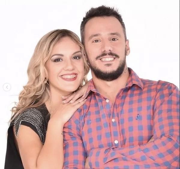 A atriz mexicana Nadia di Cello com o marido (Foto: Instagram)