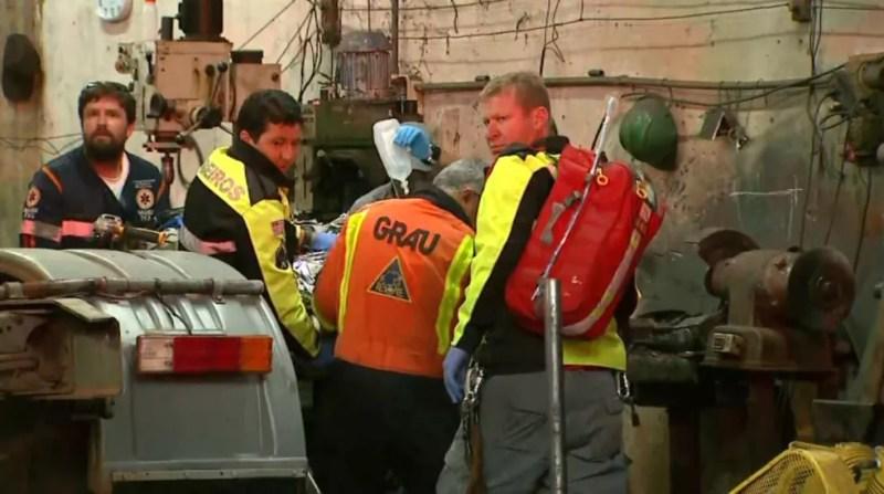 Mecânico é socorrido em estado grave após ser atingido por peça de ônibus em Ribeirão Preto, SP — Foto: Aurélio Aureliano/EPTV
