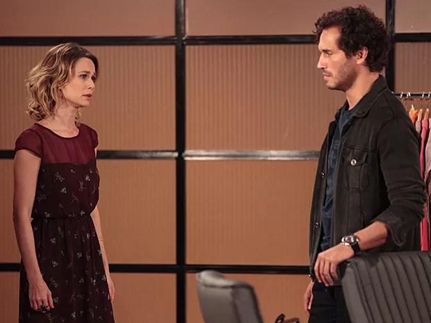 Corajosa, Juliana fala com Fábio sobre o que ela sente por Nando (Foto: Guerra dos Sexos / TV Globo)